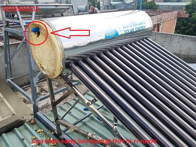 sửa máy nước nóng năng mặt trời bình dương